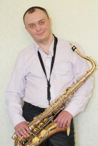 Саксофонист в ресторан